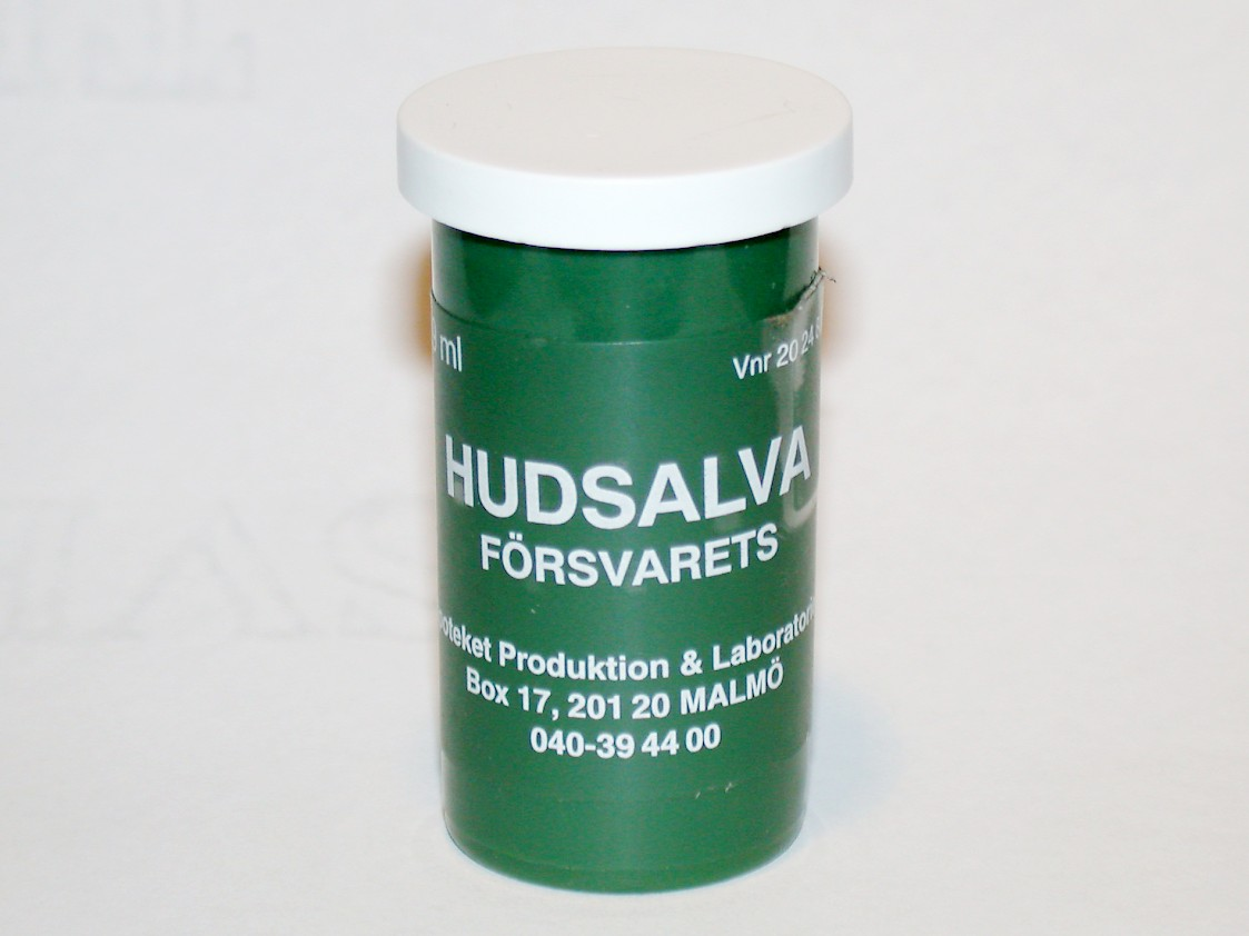 Package of Swedish armed forces lip balm as photographed in 2007. Photo: Riggwelter.